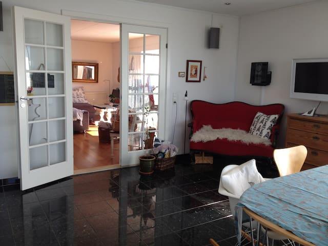 Nuuk, 137 m2 home on 2 levels - large balcony. - Nuuk