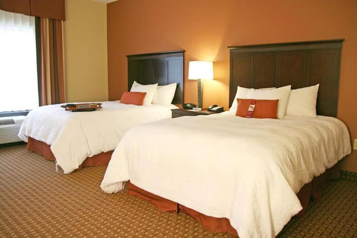 Cute Double Two Double Beds Non Smoking At Sevierville