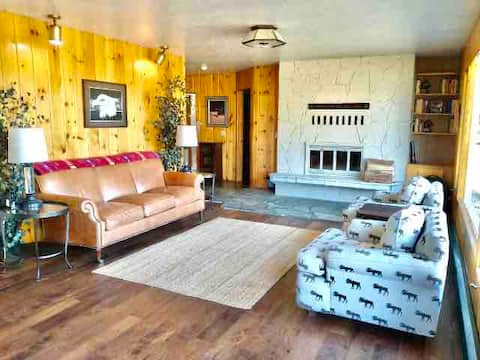 Cottage with indoor fireplace on 5 private acres