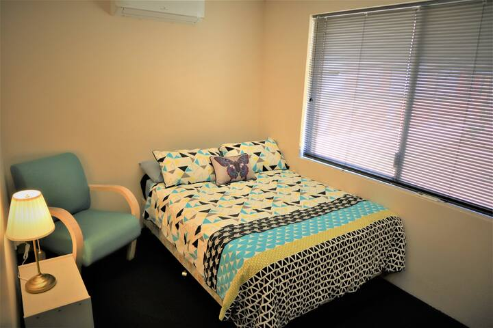 Cozy private double room close to CBD