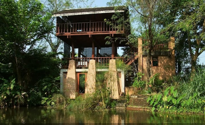 Thai Style Pavilion Home in Chiang Mai, Thailand