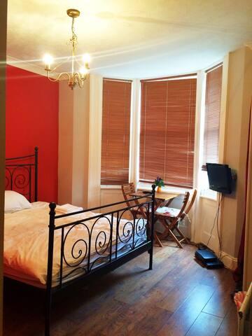 Spacious double bedroom in the heart of Brighton - Brighton - Apartamento