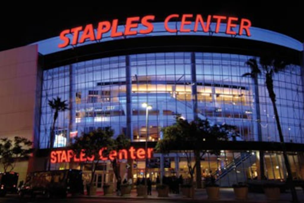 Close proximity to Staples and Microsoft theatre