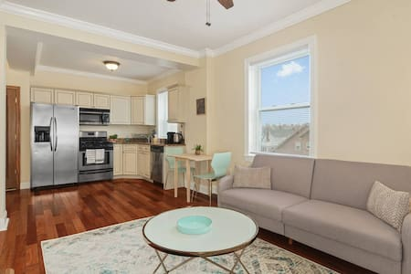 Private 1 BR with Sea View, 3 miles To AC