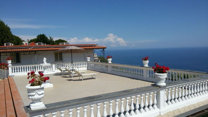 Azzurro Residence - Standard Apartment with pool - Massa Lubrense - Apartmen