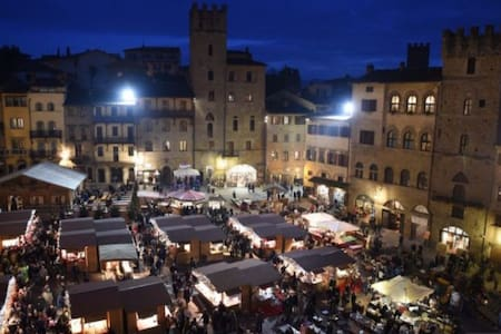 September in Tuscany (Mae) - Lucignano