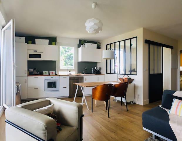 Bel Appt, 3 chambres, terrasse, piscine et parking