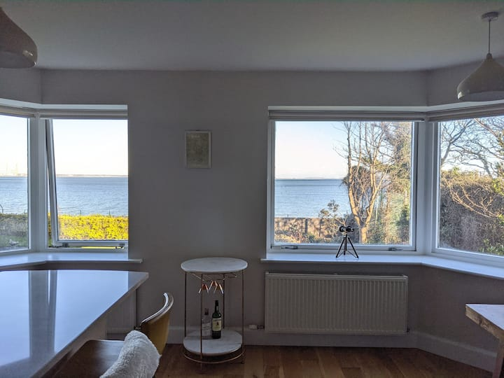 75m2 appt in South Dublin with sea view