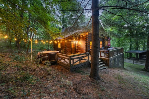 Cozy Pines | Secluded 9 acres, Hot Tub, TreeHouse