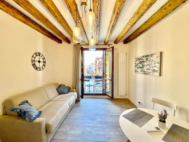 Suite House 4 terrace with canal view in Venice