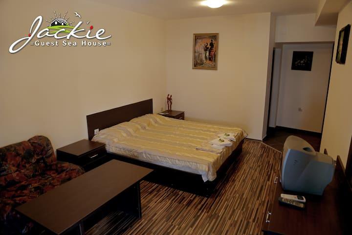 Tiger room 103