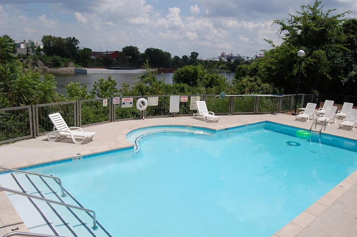 Downtown Nashville River Front Condominium