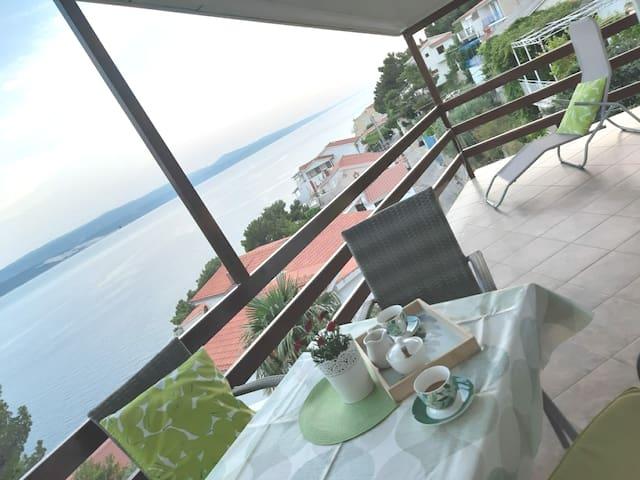 Adriatic sea view apartmentA4 OMIŠ,MARUŠIĆI,SPLIT