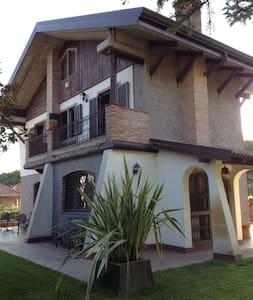 Villa alle pendici dell'Etna - Nicolosi