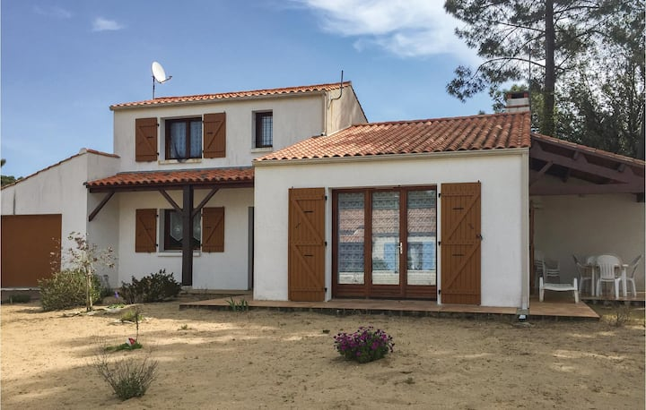 Holiday cottage with 3 bedrooms on 100m² in La Tranche sur Mer