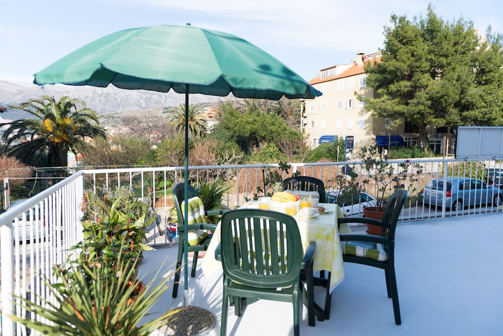 Lovely furnished terrace