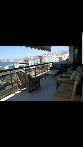 Beautiful Apartment overlooking Jounieh bay - حارة صخر - Huoneisto