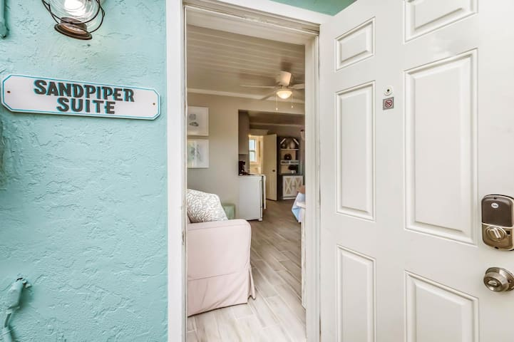 Sandpiper Suite at Driftwood