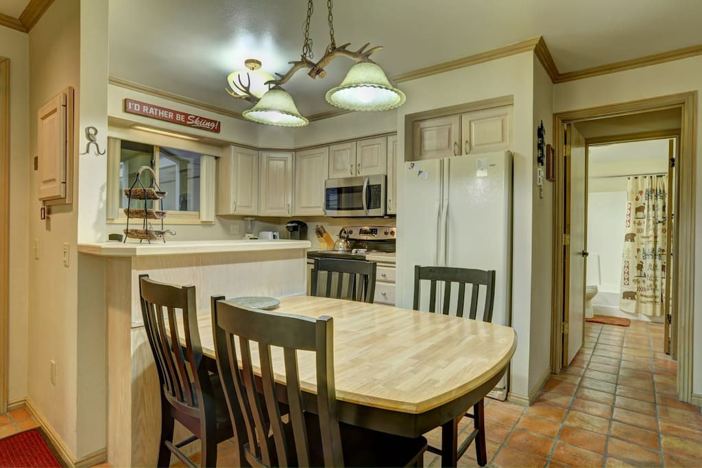 Kitchen and Dining Area-Snow Flower (Ski In-Ski Out)-Park City