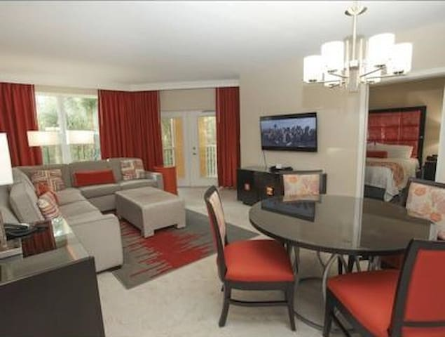 * Promotional Resort / Close to Disney Parks *