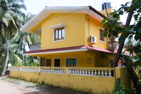 1 BHK Yellow Villa with Pool in Country Colva