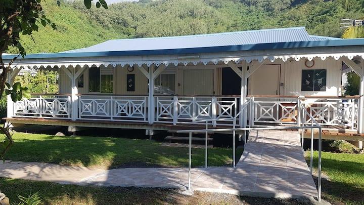 Sanny's Lodge home Moorea