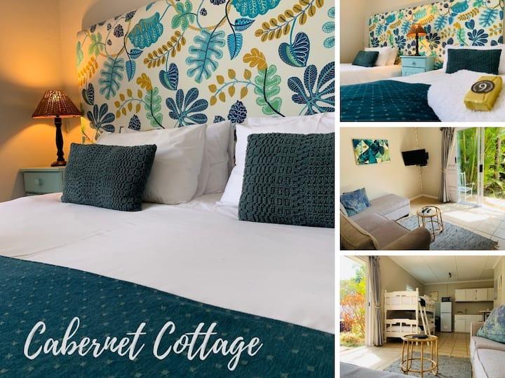 Nine On Irvine Guest Cottages - Cabernet Cottage