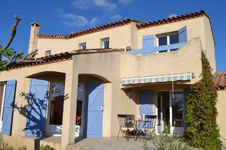 Belle Maison 4 façades avec Terrasse - Mèze - Villa