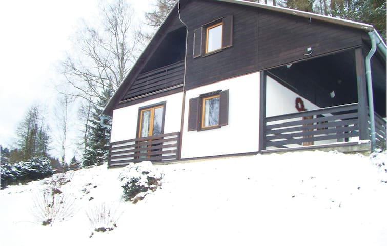 Holiday cottage with 3 bedrooms on 61 m² in Krásná Lípa