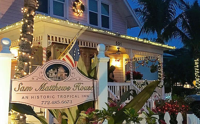 SAM MATHEWS HOUSE ^ : AN HISTORIC TROPICAL INN