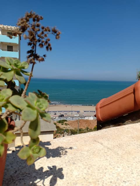 Apartment 80m2 with terrace not far from the sea