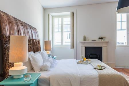 suíte duplex breakfast down2town - Porto - Bed & Breakfast