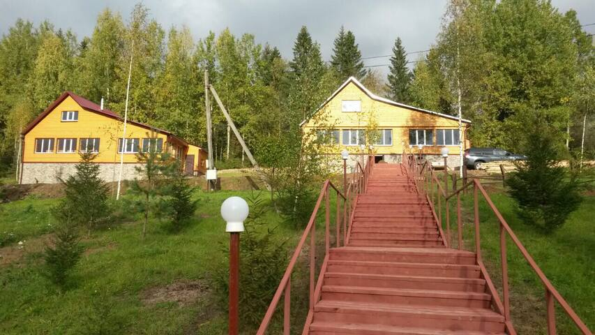 Двухэтажный дом, рядом с озером. - Vattsy - Casa