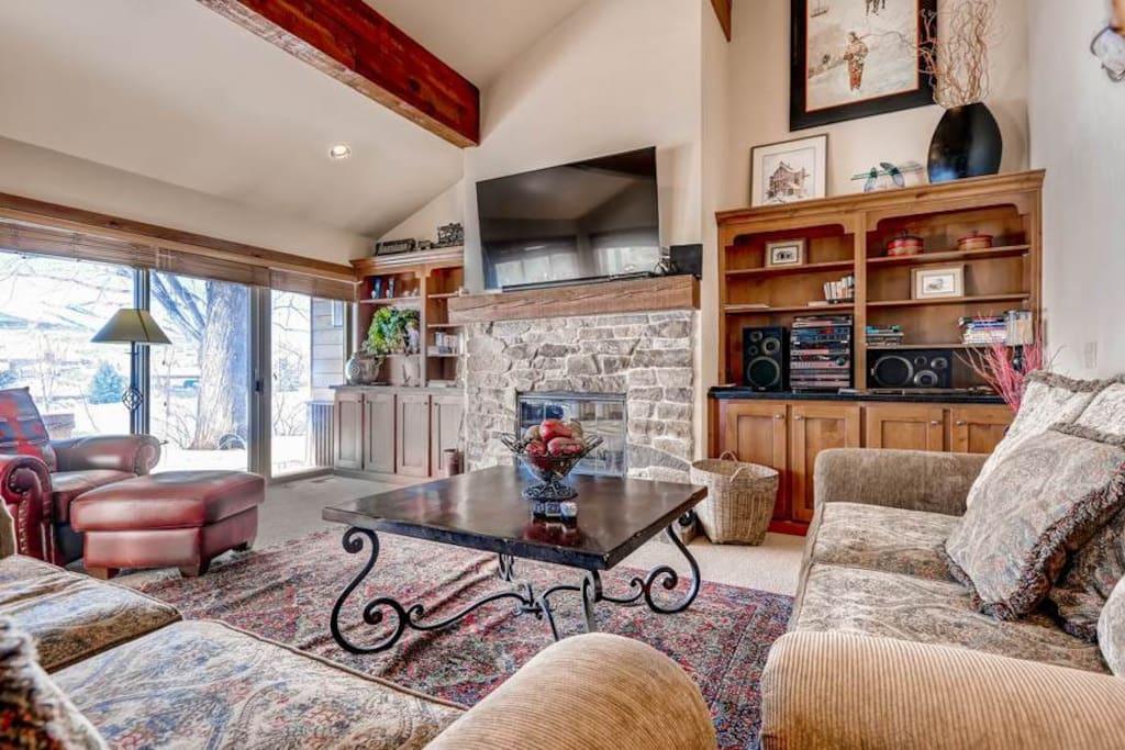 Fairway Village #2575 Living Area