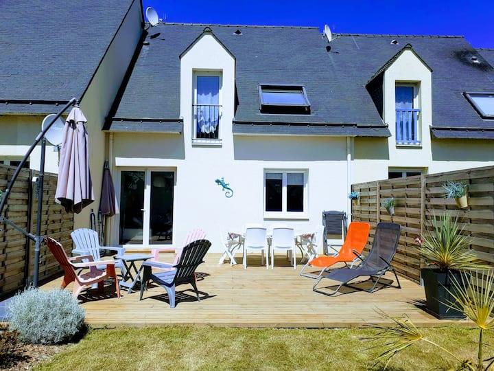 Maison avec jardin clos dans lotissement calme