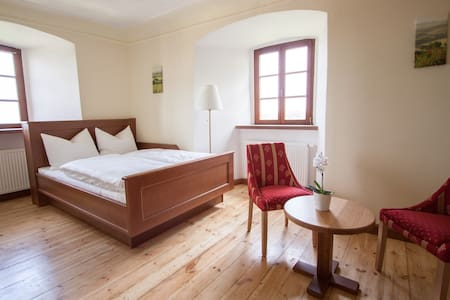 Burgzimmer 6 Herrenhaus