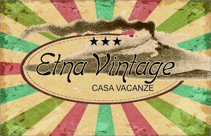 """Etna Vintage """" Camera Anni 60 """" con bagno privato"""