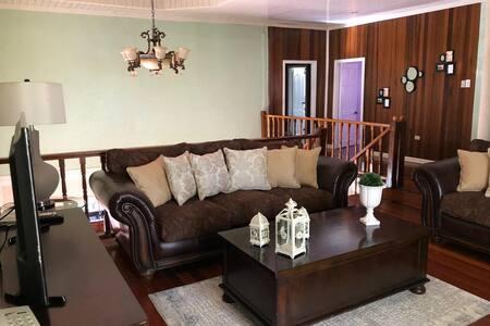 4 Bedroom Executive Home Short & long term rental