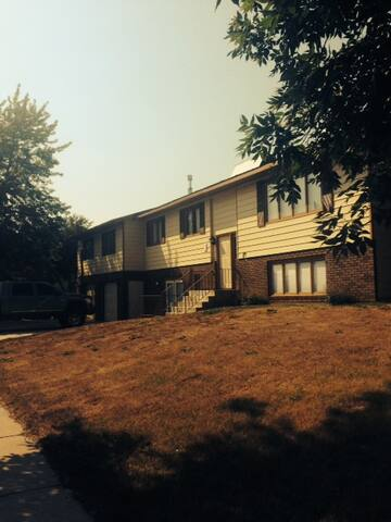 Nice & Affordable - Williston - House