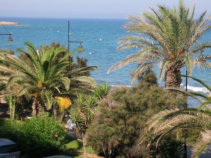 Front to the sea. Betwen 2 beaches