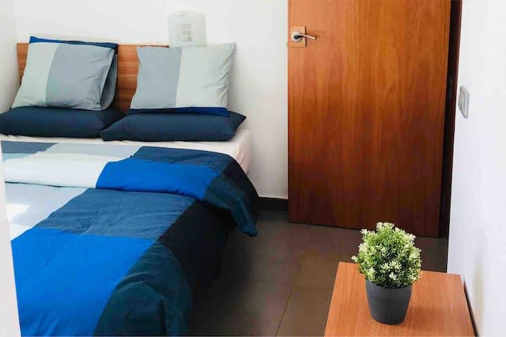 Room in the heart of barcelona - La Rambla