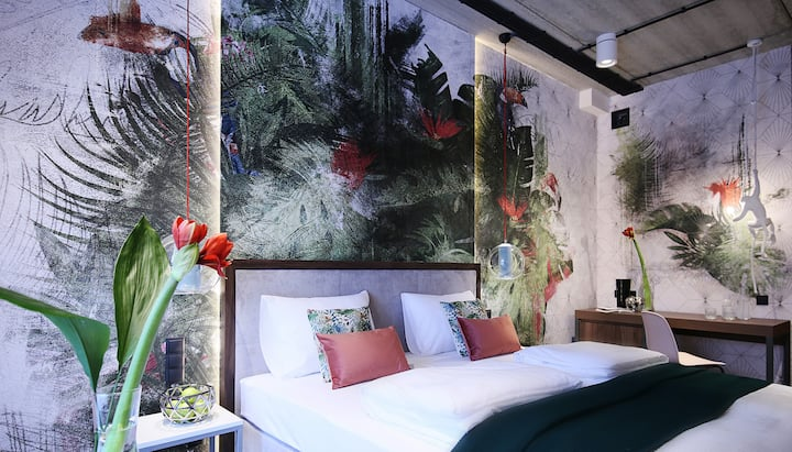 HOTEL ZOO - POKÓJ DWUOSOBOWY