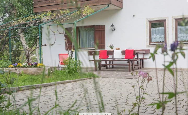 """Amazing Apartment """"Ferienwohnung 3 VIKOLER"""" with Mountain View, Wi-Fi, Balcony & Garden; Parking Available"""