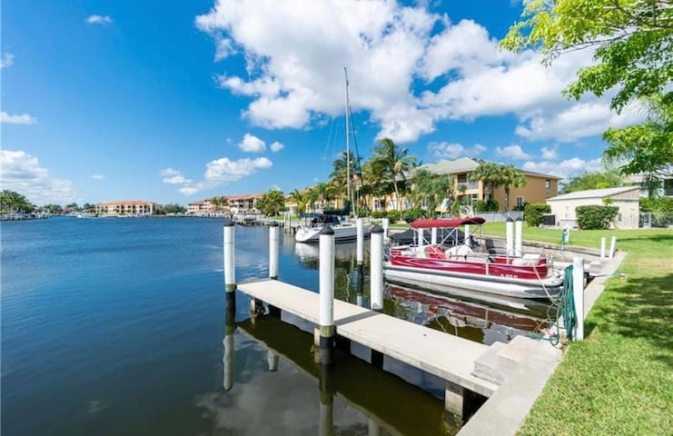 Coastal Waterfront Condo In Punta Gorda Isles