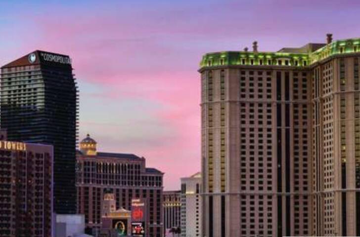 1 bedroom condo on Las Vegas Strip AVAILABLE