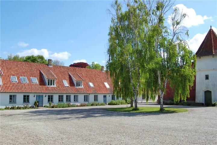 Take a getaway to Ladegården near Tranekær Castle