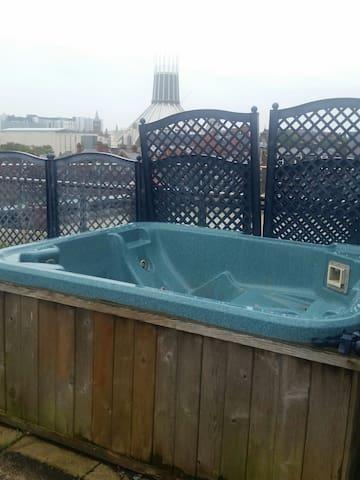 Penthouse Suite 2. Central, Hot-Tub, Amaxing Views
