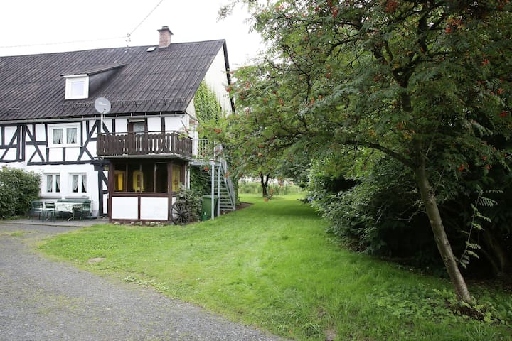 Hermosa casa de vacaciones de entramado de madera del año 1744 en Rennerod en el Westerwald