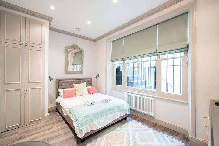 Attractive Notting Hill Studio