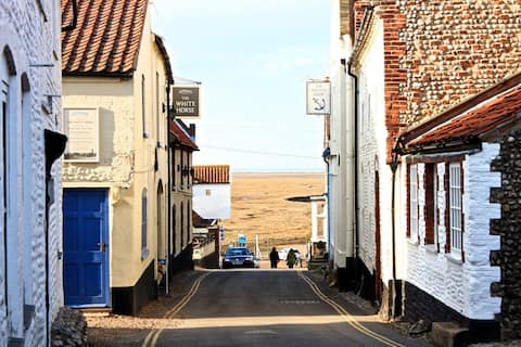 Lovely cottage, centrally located in Blakeney